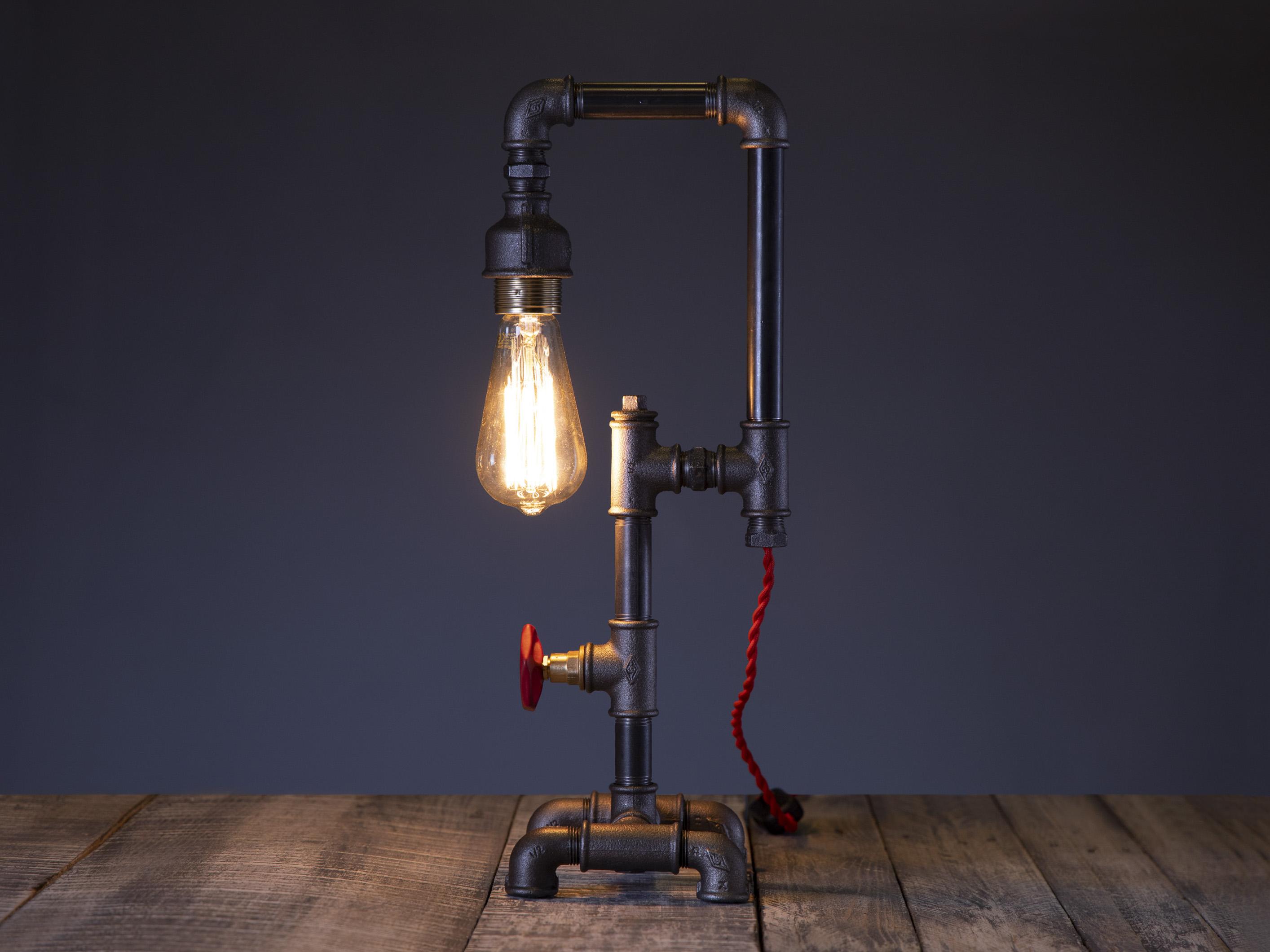 Bisoor - lampa birou steampunk industrial din tevi si fitinguri